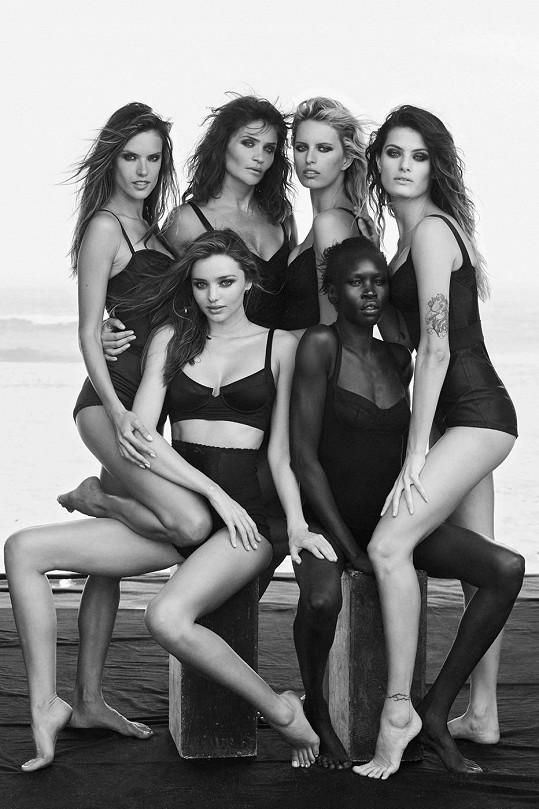 Karolína Kurková, Alessandra Ambrosio, Helena Christensen, Alek Wek, Miranda Kerr a Isabeli Fontana pro Pirelli.