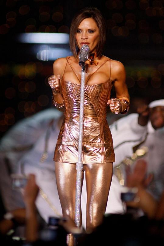 Victoria Beckham na koncertě se Spice Girls.