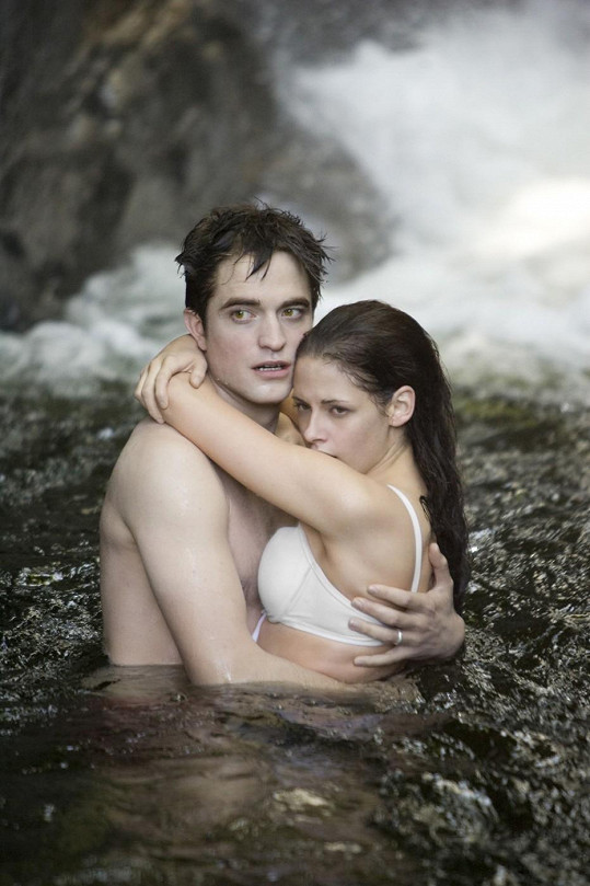 Kristen Stewart a Robert Pattinson v Twilight sáze.