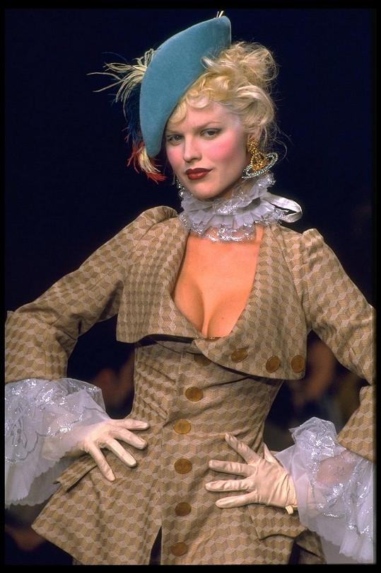Eva Herzigová leckomu připomíná Marilyn Monroe.