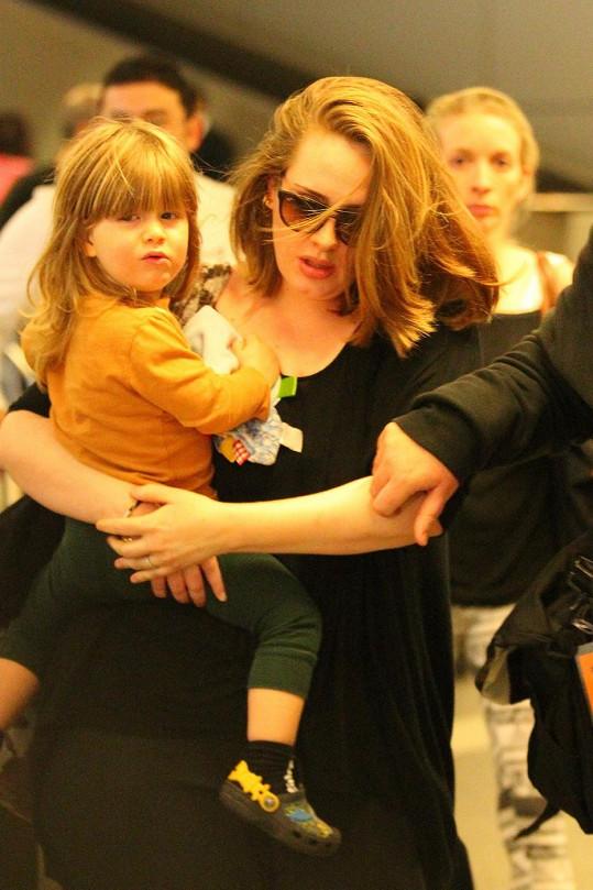 Adele chce syna před médii chránit.