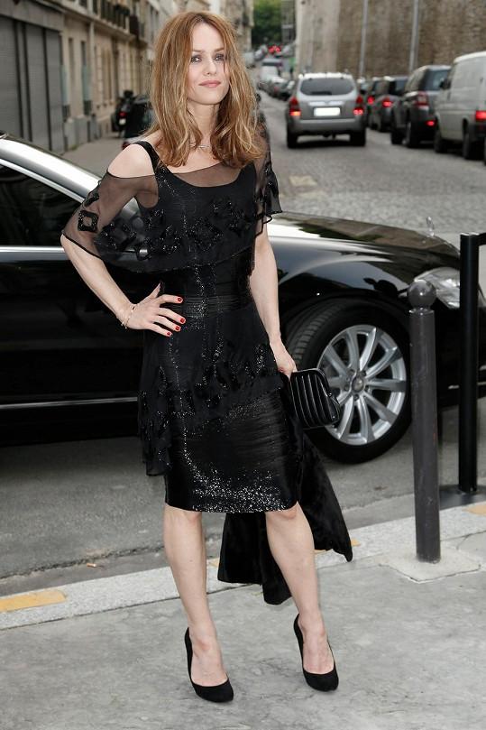 Francouzská herečka na akci pořádané značkou Chanel.
