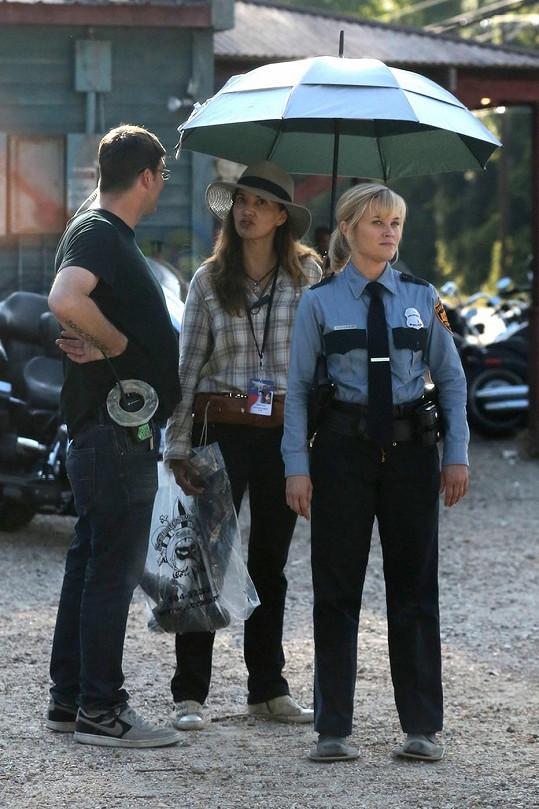 Reese se však rychle vrátila ke své roli.