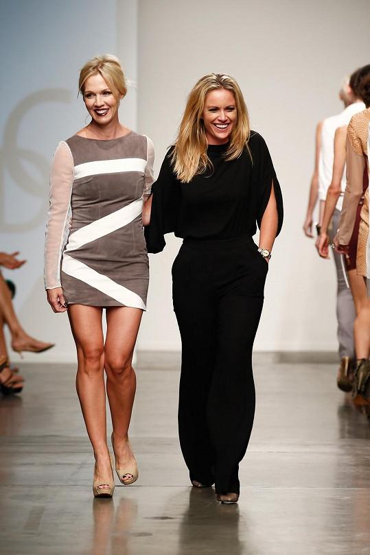 Jennie Garth se s návrhářkou Aerin O'Connell dočkaly bouřlivého potlesku.