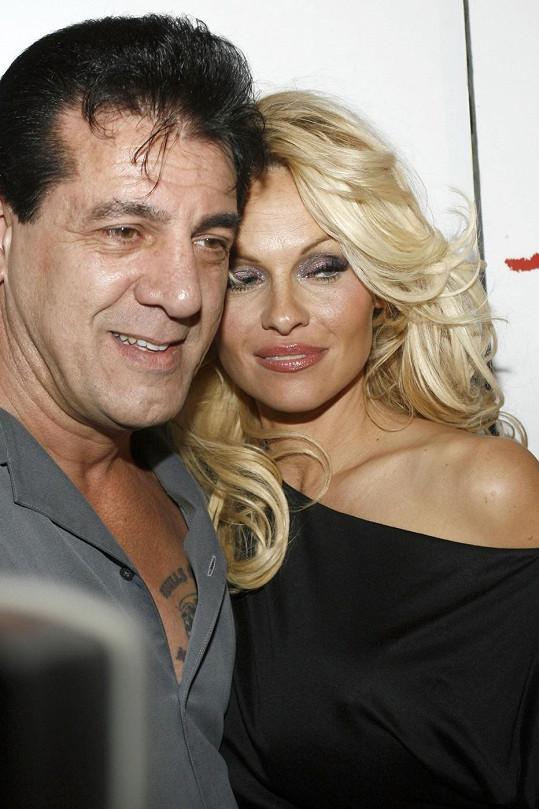 Pamela s Chuckem randila už v roce 2007.