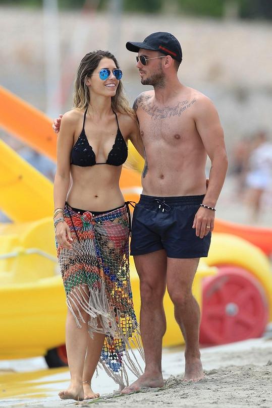 Yolanthe Cabau a Wesley Sneijder tvoří krásný pár.