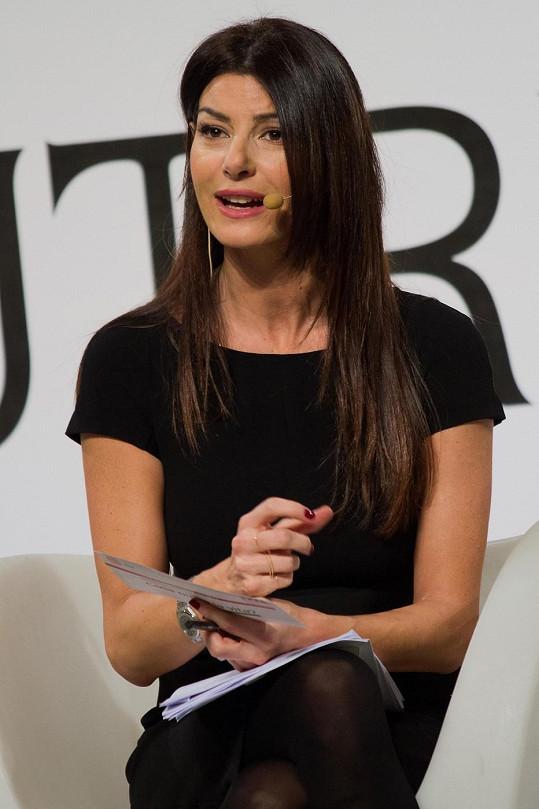 Ilaria je známou italskou sportovní komentátorkou.