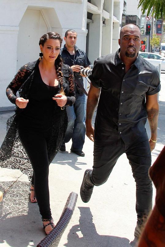 Kanye West s Kim Kardashian.
