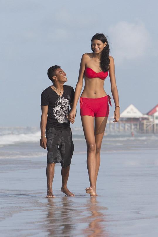 Sedmnáctiletá Elisany je nejvyšší teenagerkou Brazílie.