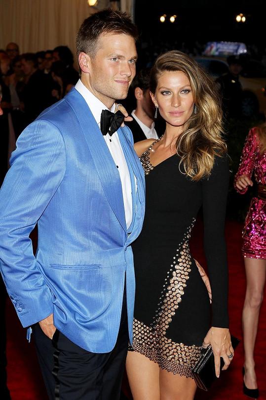 Modelku doprovázel manžel Tom Brady.