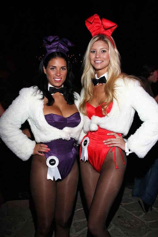 Amanda Paige (vpravo)