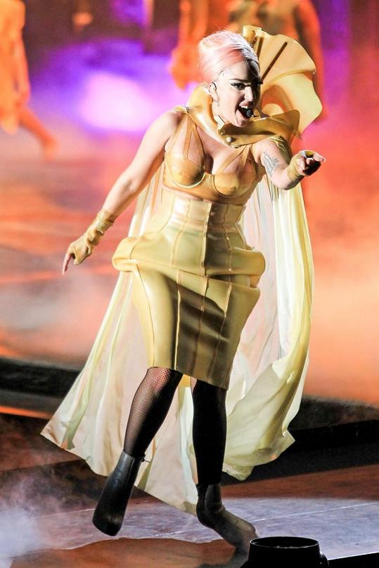 Gaga ve Vancouveru vyměnila 19 kostýmů.