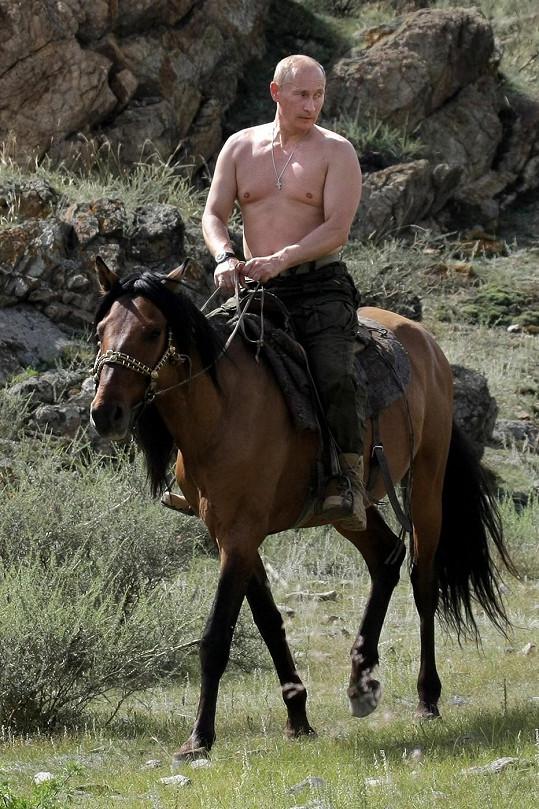 Snímky z dovolené Vladimira Putina se před pěti lety staly senzací.