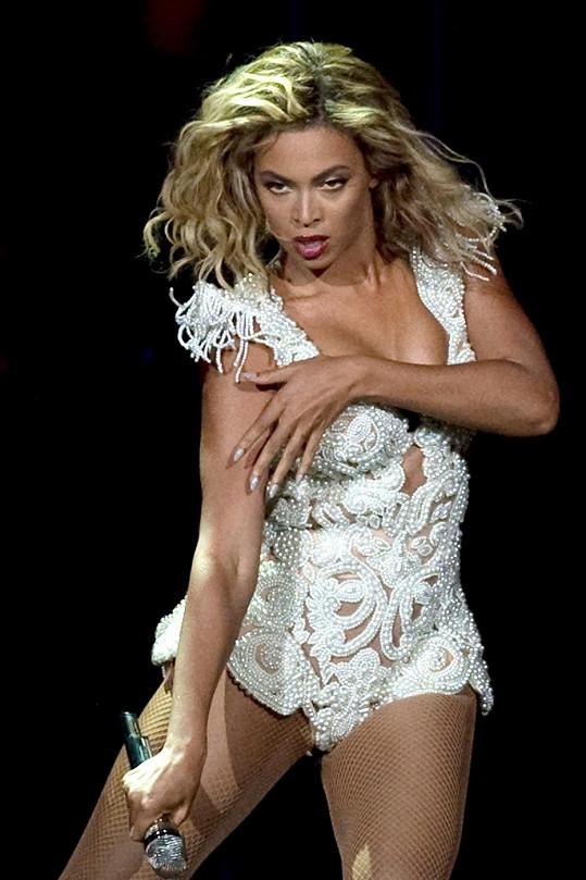 Beyoncé během svého posledního koncertu v USA z minulého týdne.
