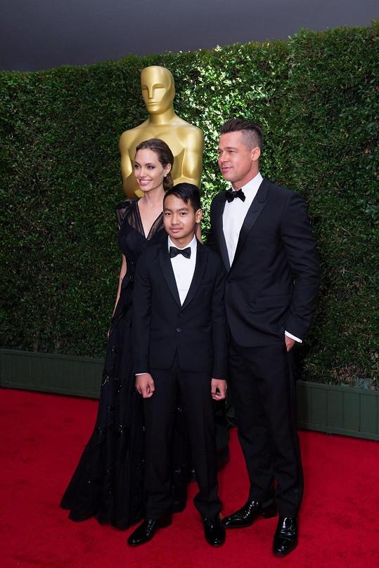 Angelina přiletěla do Hollywoodu z Austrálie a Brad z Anglie.