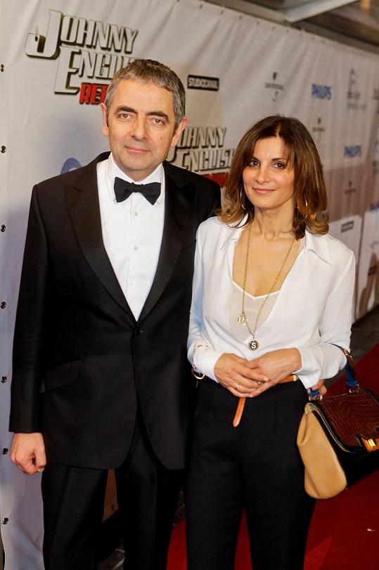 Rowan Atkinson s manželkou Sunetrou