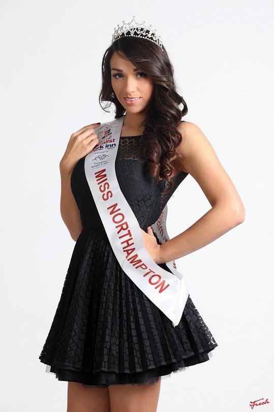 Osmadvacetiletá Nadina Knight má šanci stát se Miss Anglie.