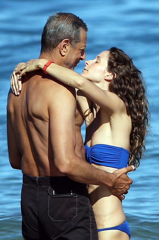 Jeff Goldblum a Emilie Livingston