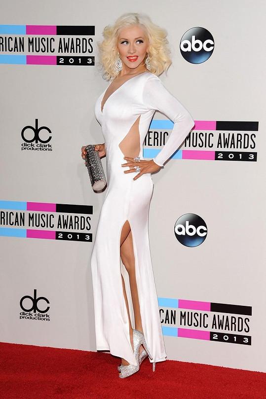 Aguilera nakonec znovu docílila božské postavy.