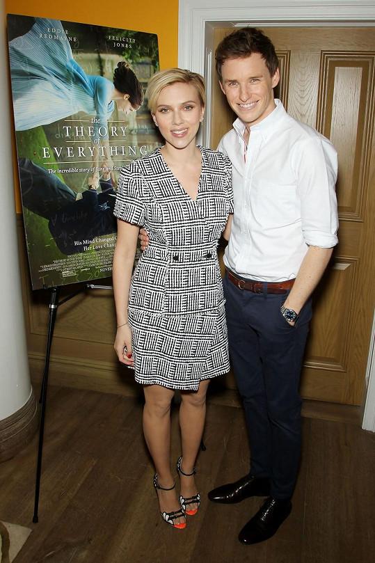 Scarlett Johansson s Eddiem Redmaynem
