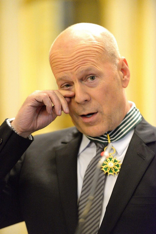 Dojatý Bruce Willis.