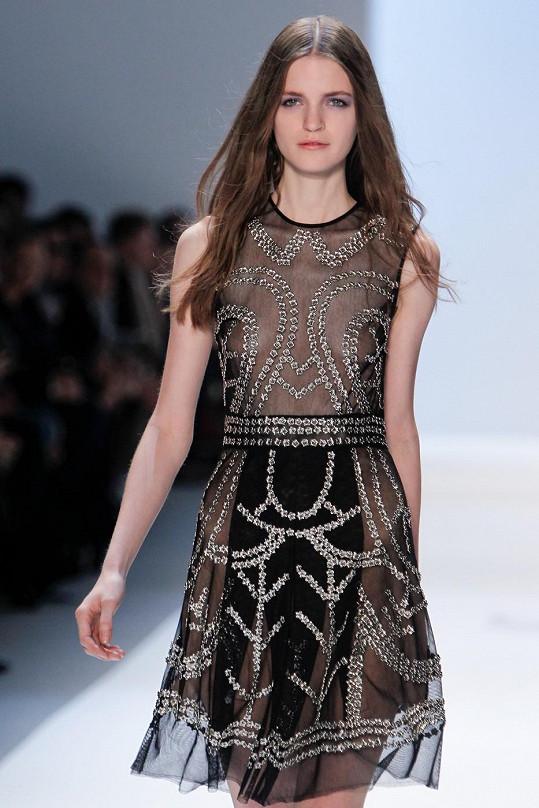 Česká modelka na prezentaci kolekce Jill Stuart.