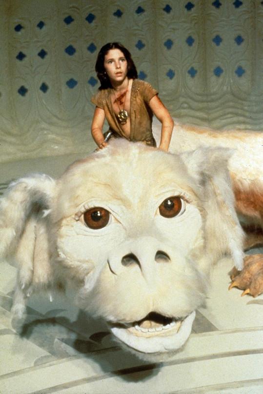 Noah Hathaway jako Atreyu s létajícím psem Falcem