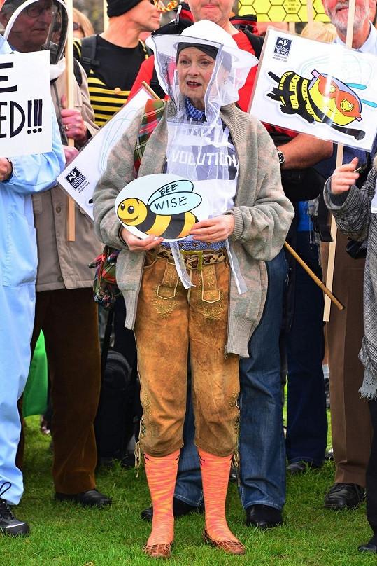 Vivienne Westwood na protestní akci v Londýně.