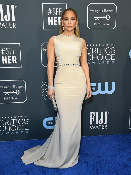 Jennifer Lopez pomýšlí na odchod z USA.