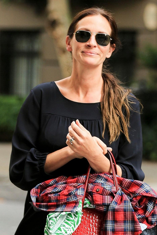 Julia Roberts na svůj věk vypadá fantasticky.