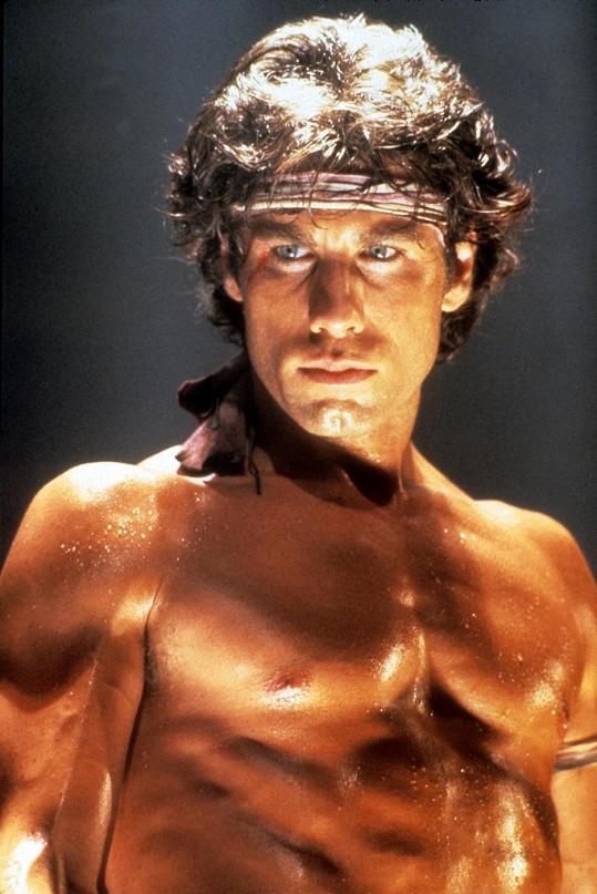 Travolta na snímku z filmu Staying Alive z roku 1983.
