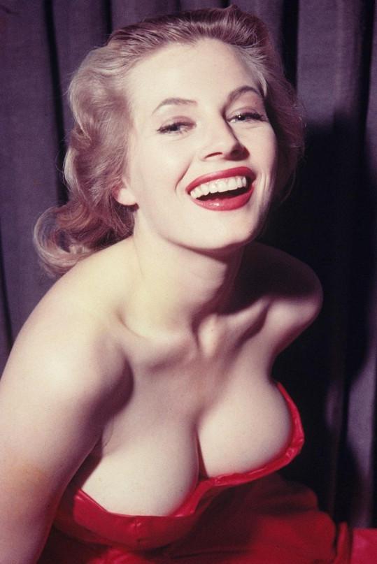 Muži ji milovali....