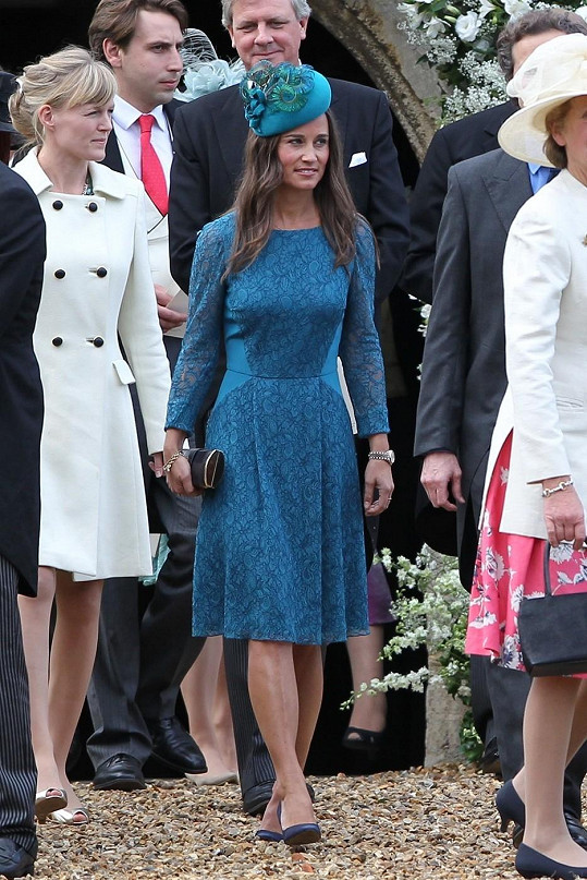 Pippa Middleton s ostatními svatebčany.