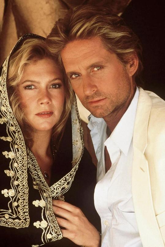 S Douglasem si zahrála i ve filmu Honba za klenotem Nilu.