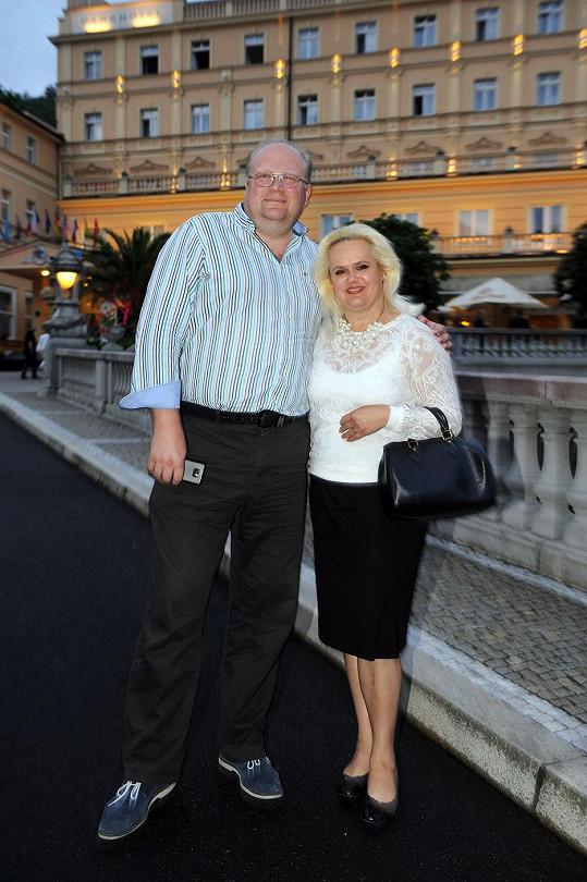 Monika Štiková s manželem Michalem navštívili pár večírků, teď marně čekají na pozvánky.