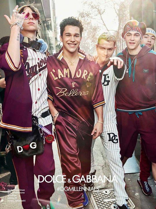 Módní dům Dolce&Gabbana také sází na slavná jména. Zleva Charlie Oldman, zpěvák Austin Mahone, Rafferty Law, Hero Fiennes-Tiffin a model Nao Takahashi