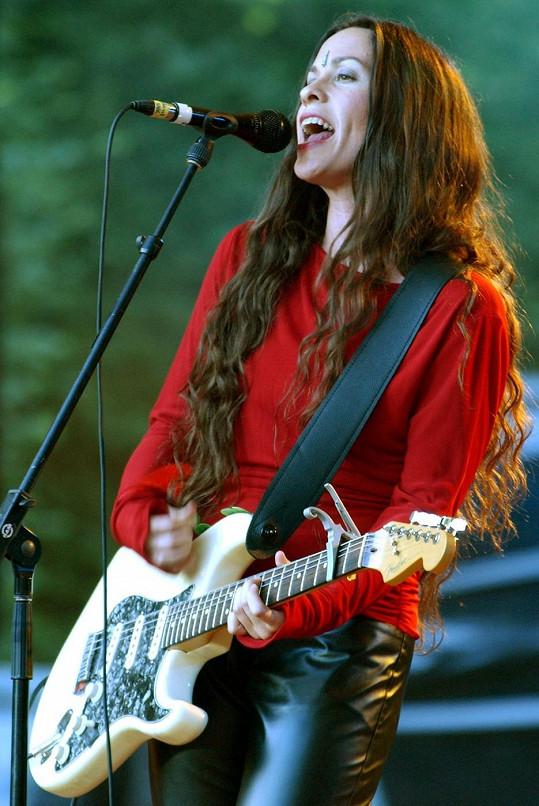 Alanis Morissette v roce 2001