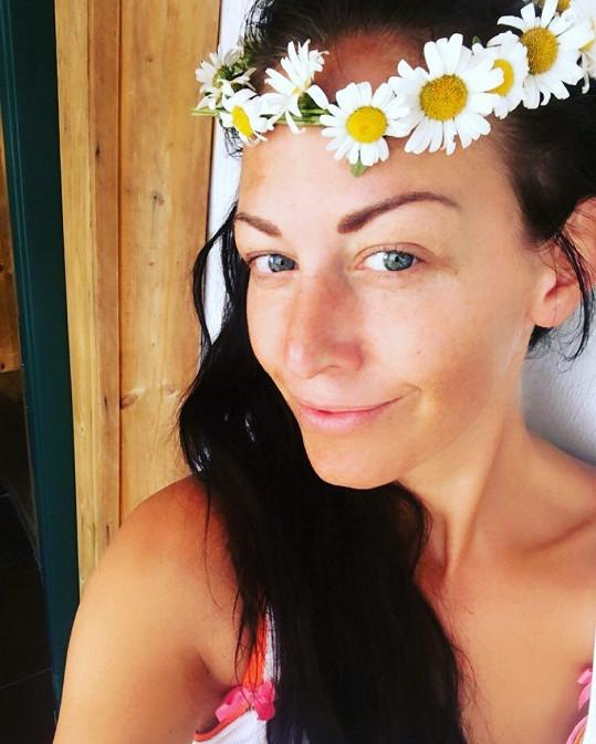 Dokonce i Agáta Prachařová se občas pochlubí přirozeným vzhledem.