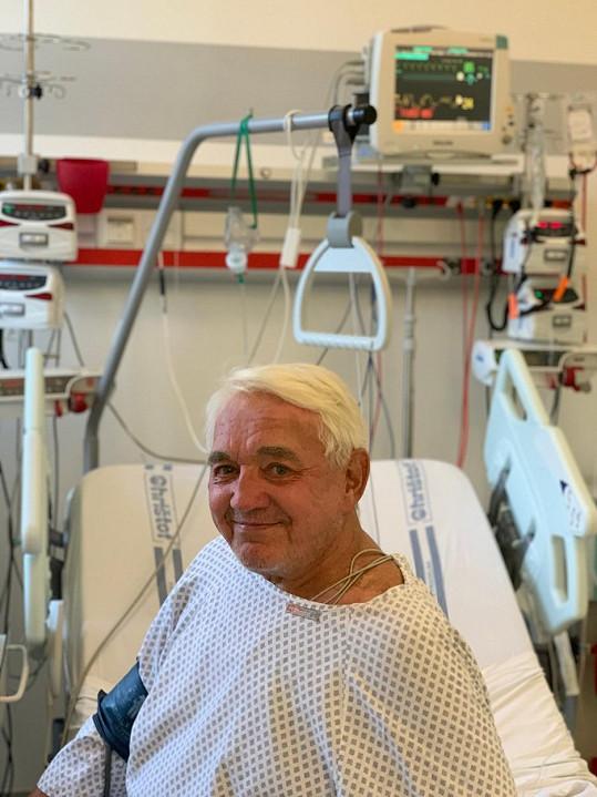 Krampol před pár dny onemocněl a po kontrole si ho v nemocnici rovnou nechali. V pondělí byl propuštěn.