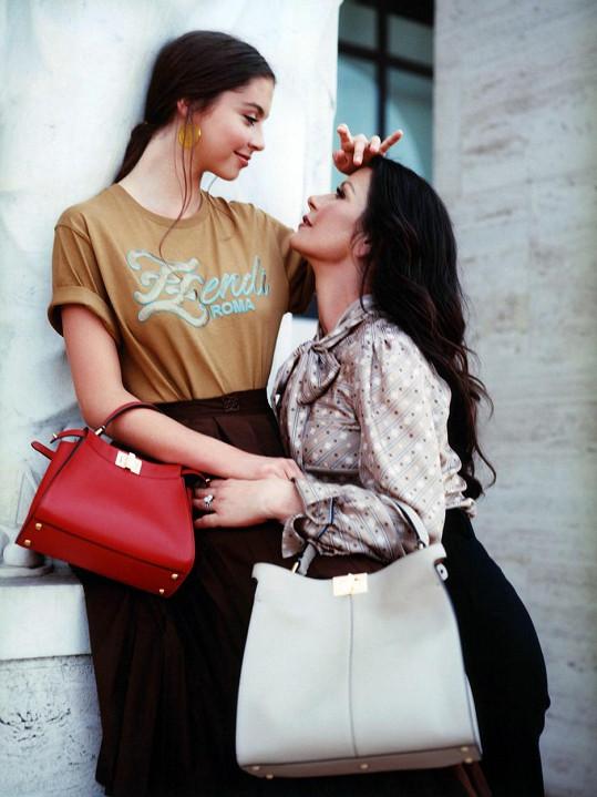 Snímky byly pořízené v Římě a patří k sérii k příležitosti desátého výročí kabelky Peekaboo.