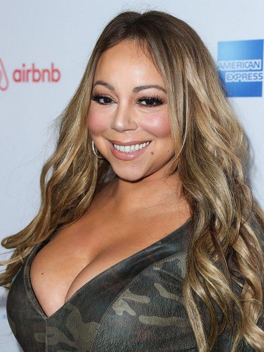 Mariah Carey je definicí slova diva.