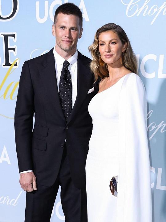 Gisele s manželem Tomem Bradym, který nedávno přestoupil do jiného týmu amerického fotbalu. Za New England Patriots hrál 20 let.
