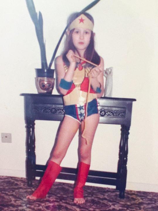 Jako malá Aimi Veness obdivovala Wonder Woman a zůstalo jí to do dospělosti.