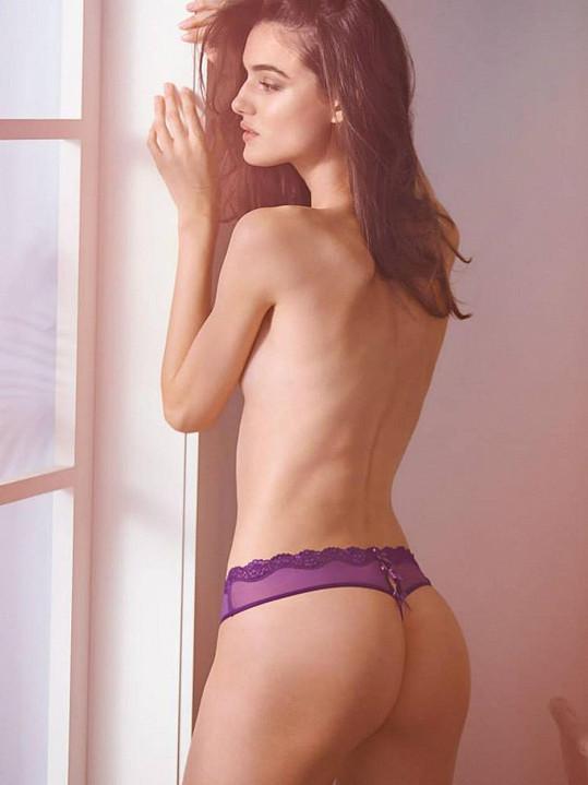 Blanca Padilla září v katalogu andělské značky.