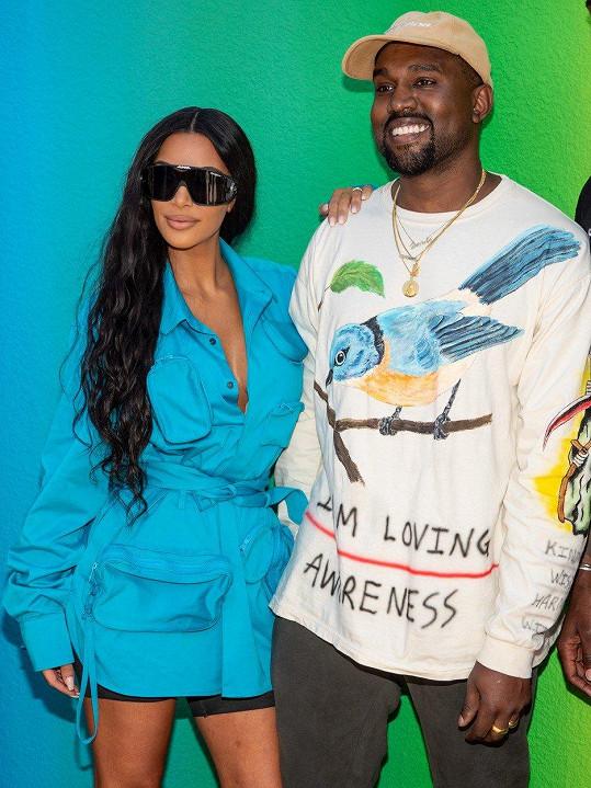 Kanye se od Kim nehnul ani na krok.