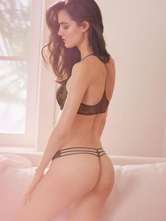 Blanca Padilla pózuje v prádélku.