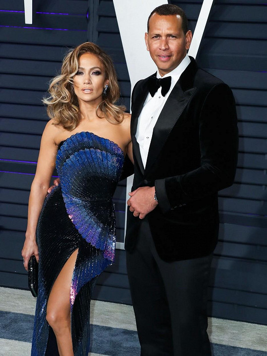 Jennifer ve čtvrtek oznámila rozchod se snoubencem Alexem Rodriguezem. Ve vztahu byli 4 roky.