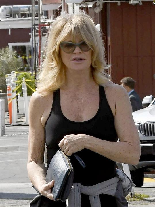 Goldie Hawn je velmi aktivní sedmdesátnicí.