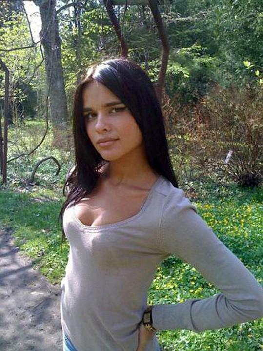 Anastasiya na pár let starém snímku...