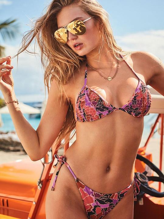 Romee Strijd na nových snímcích ukazuje své sexy křivky.